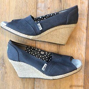 TOMS classic wedge sandal dark gray 8 1/2